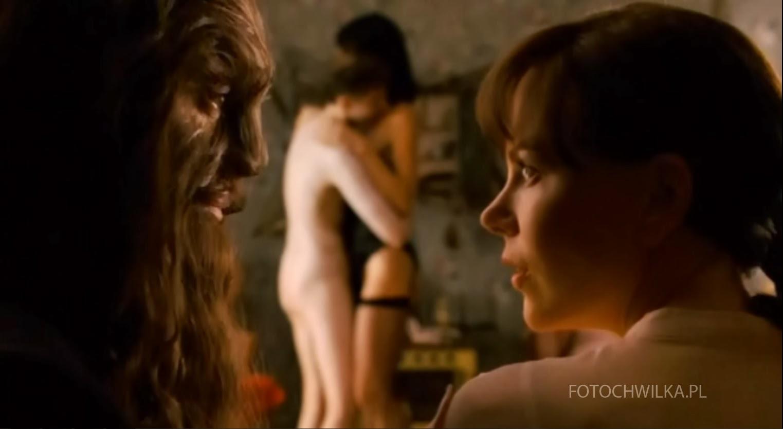 Futro - Portret wyobrażony Diane Arbus. Kadr z filmu. Nicole Kidman i Robert Downey Jr.