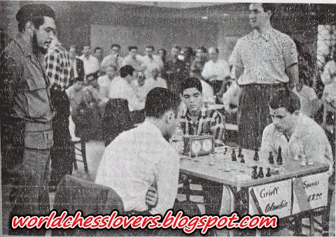 Historical photo-Guevara watching Boris Spassky game
