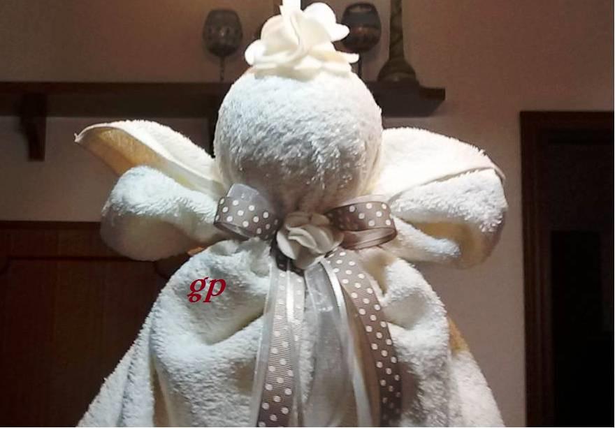 A me piace cosi 39 angeli con asciugamani regalo natalizio for Animali con asciugamani
