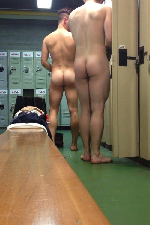 Spying Girls Changing Room