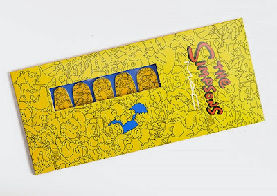Fashionable discoveries Mac have done The Simpsons nail art stickers.