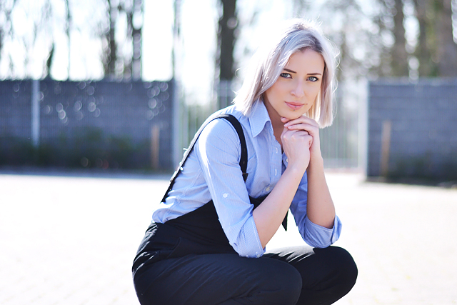 Fashion blogger, street style, inspiration, how to wear, dungarees, black, blue, blonde hair, grey hair, white hair