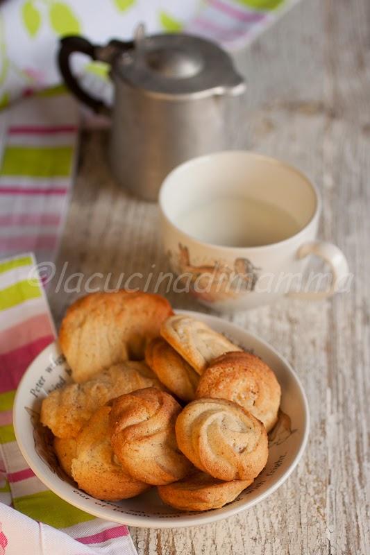 biscottini con farina multicereali qb
