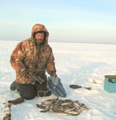 Зимняя рыбалка.С хорошим уловм