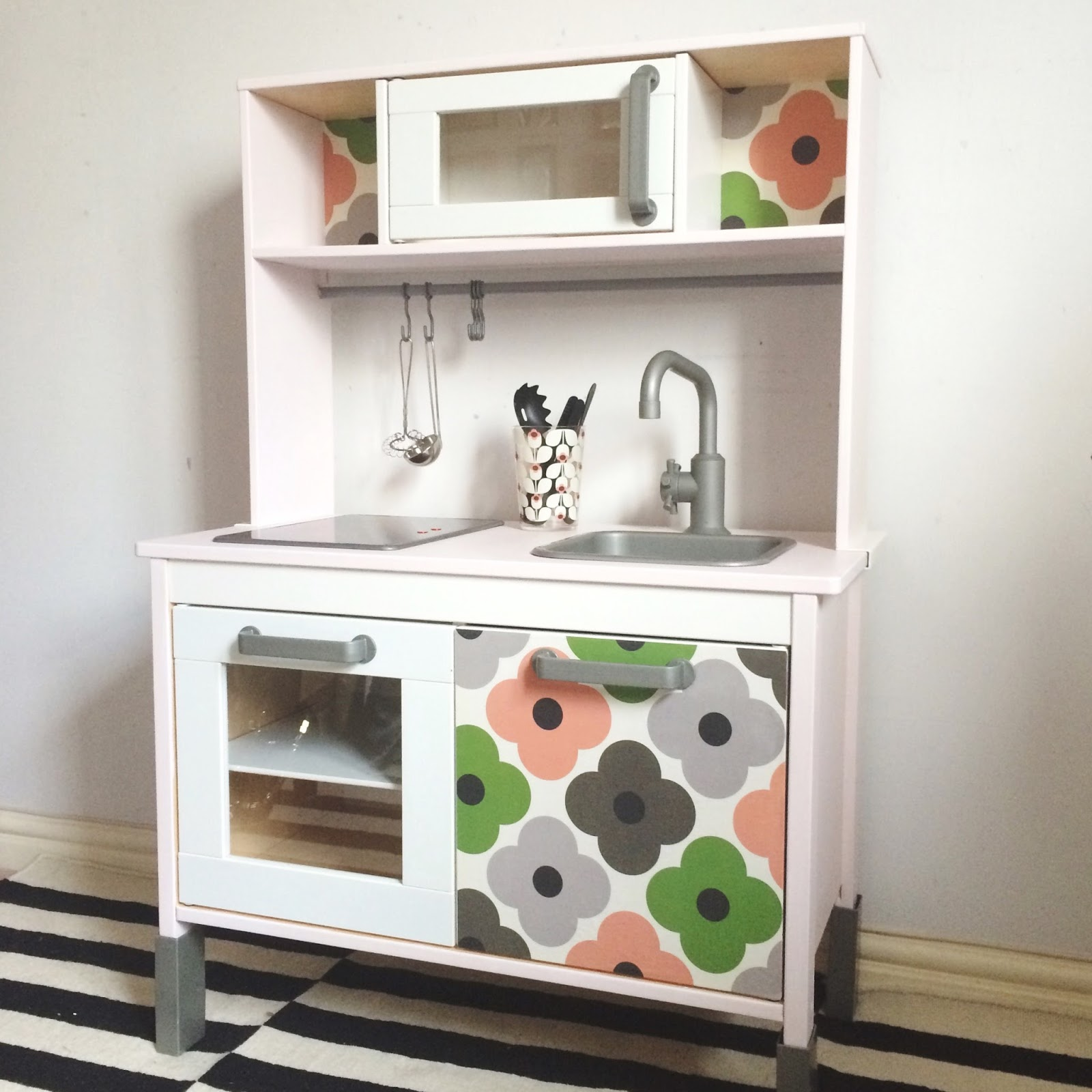me myself and ivy in ikea duktig play kitchen. Black Bedroom Furniture Sets. Home Design Ideas