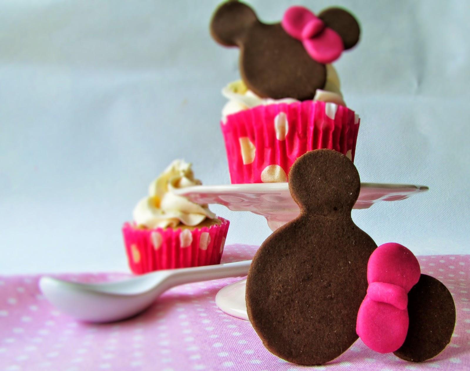 cupcakes-vainilla-minnie-fndant