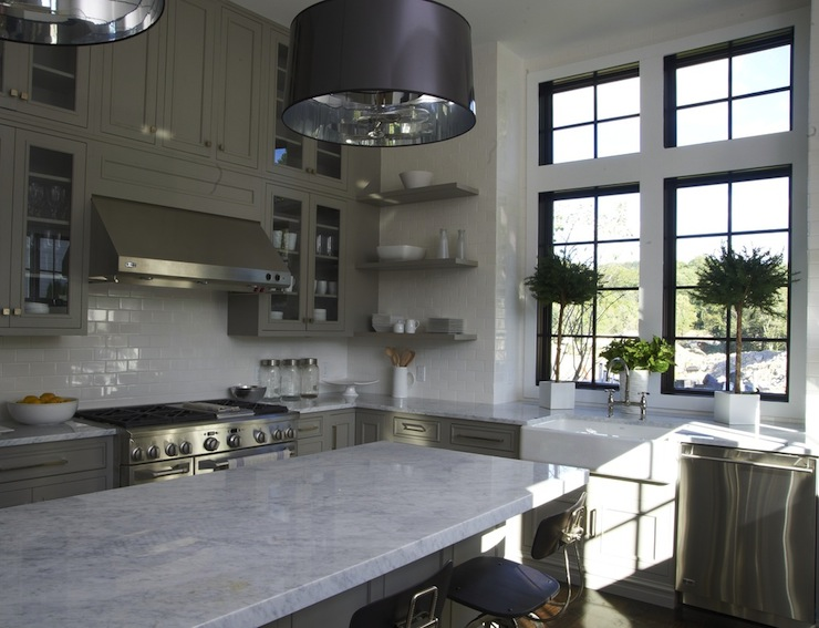 Beautiful grey kitchen t a n y e s h a for Beautiful black kitchens
