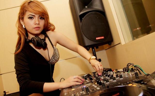DJ Dinar Candy Akan Hadir di S-Lounge Palembang
