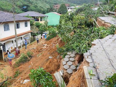 Deslizamientos de tierra por lluvias en Brasil, 16 de Diciembre 2013