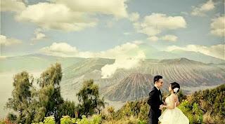 paket wisata bromo honeymoon, wisata bromo bulan madu di bromo