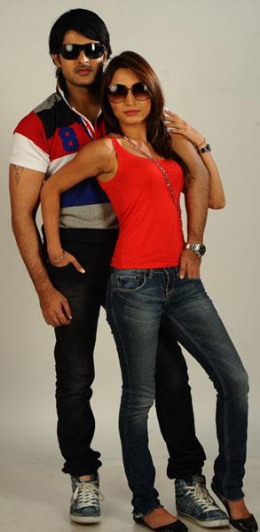 love-touch-movie-heroine-drutha-stills8