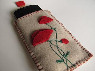 чехол для телефона, пошить чехол своими руками, чехол для айфона, пошив чехла,цветы,  маки из фетра, аппликация,