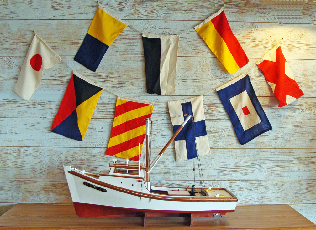 Http Skipjacksnauticalliving Blogspot Com 2012 04 Great New Affordable Nautical Decor For Html