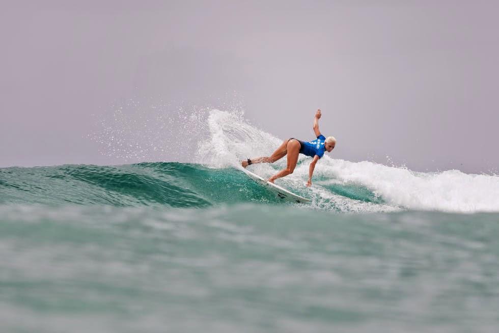 16 Roxy Pro Gold Coast 2015 Tatiana Weston Webb Foto WSL Kelly Cestari