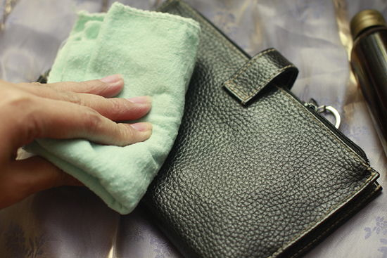 Remove All How To Remove Oil Stains From Leather Bags