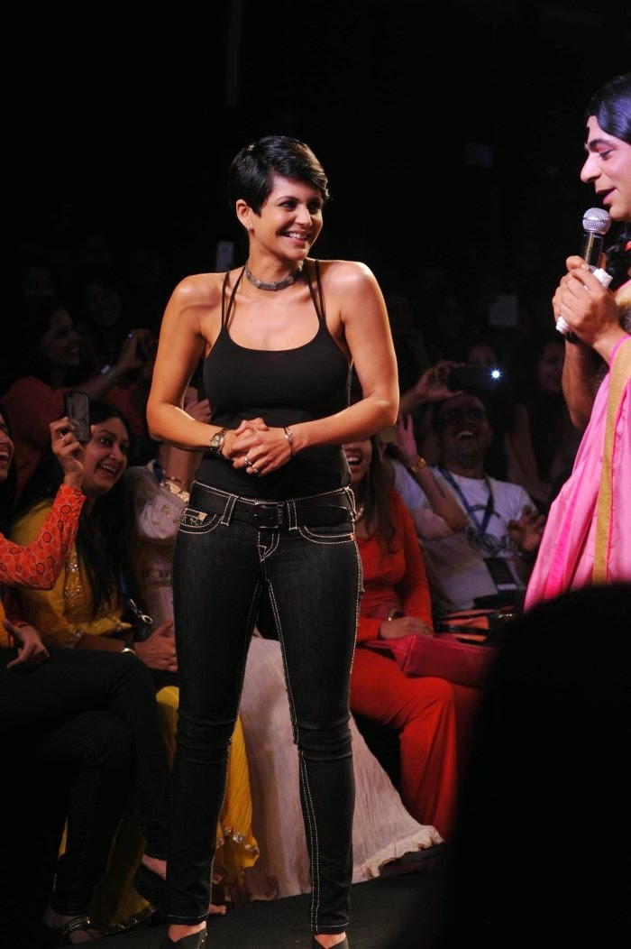 Gutthi and Mandira Bedi at Myntra Fashion Weekend Photo