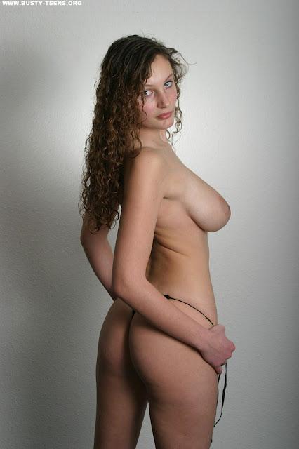 Showgirls elizabeth berkley nude Sex pictures
