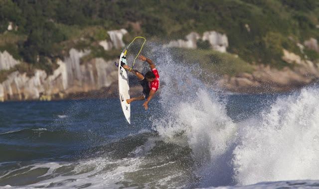 ASP Kirstin Billabong Rio Pro 2014 surf Michel Bourez 02