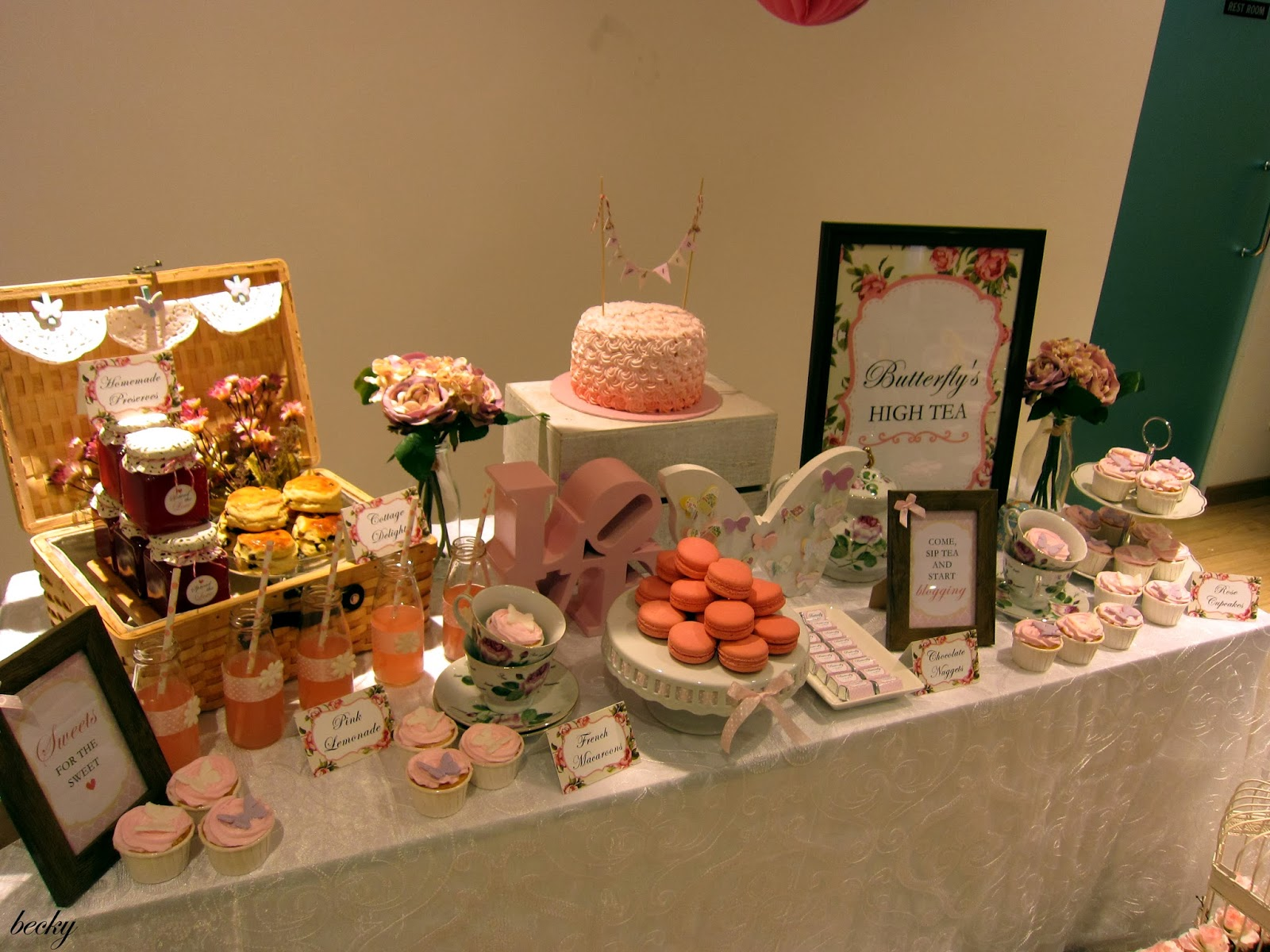 High Tea Table Decor : Love the decorations of this table - macaroons, cupcakes and jams ...