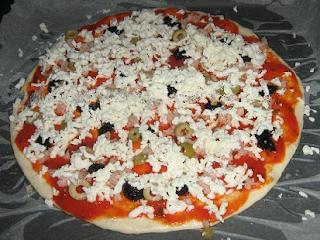 تحضير بيتزا التونة والزعتر