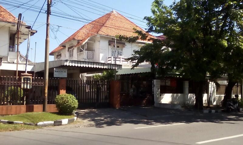 (IKLAN) Dijual Rumah Strategis di Jalan Kartini Surabaya