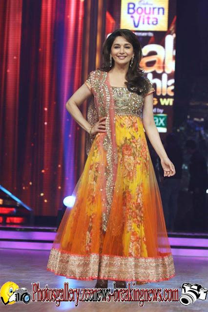 Madhuri Dixit First Look In Jhalak Dikhla Jaa Season 5 Photos 2012 - Madhuri Dixit at Launch of Jhalak Dikkhla Jaa 5 Pics