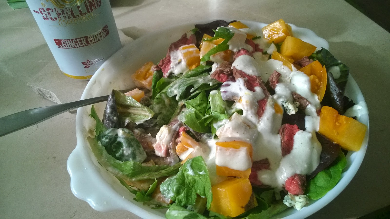 delicious bleu cheese and steak salad, under 425 calories