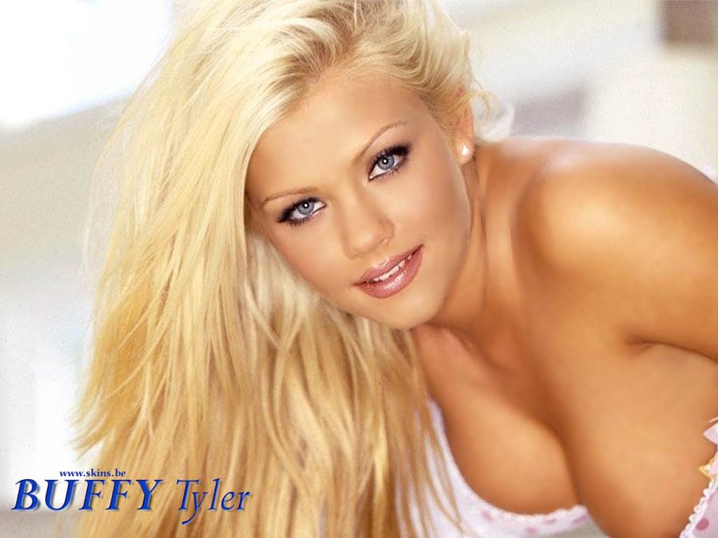 http://3.bp.blogspot.com/--vWuUif9u2A/UNAWxA5nbQI/AAAAAAAAHVE/2ZRSQ4YNnzI/s1600/Buffy-Tyler-Wallpaper-011.jpg