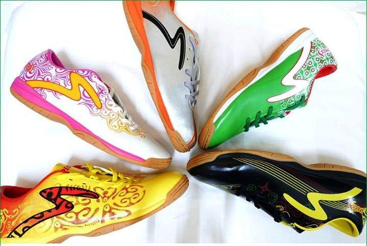 Sepatu Specs Batik