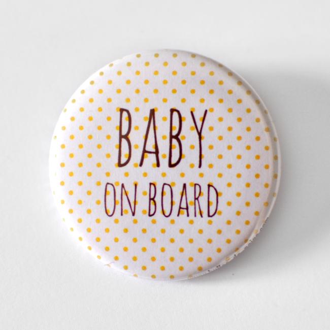 http://www.alittlemarket.com/pins-badges/fr_badge_femme_enceinte_baby_on_board_-13948605.html