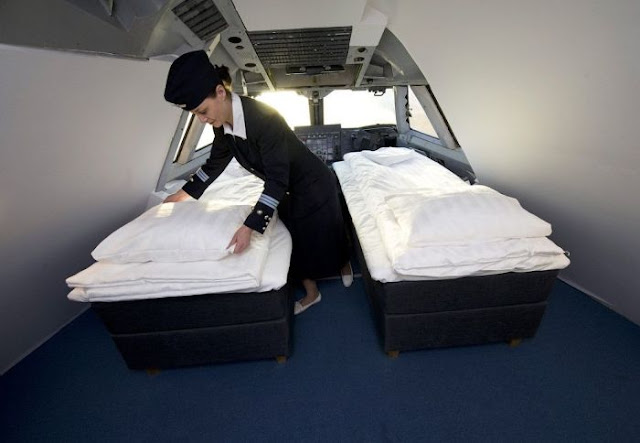 awesome, design, cool, pictures, boeing-747 hotel, jumbo hostel, arlanda airport hotel