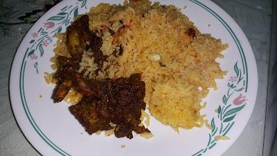 makan dengan nasi minyak pagi tadi pun sedap