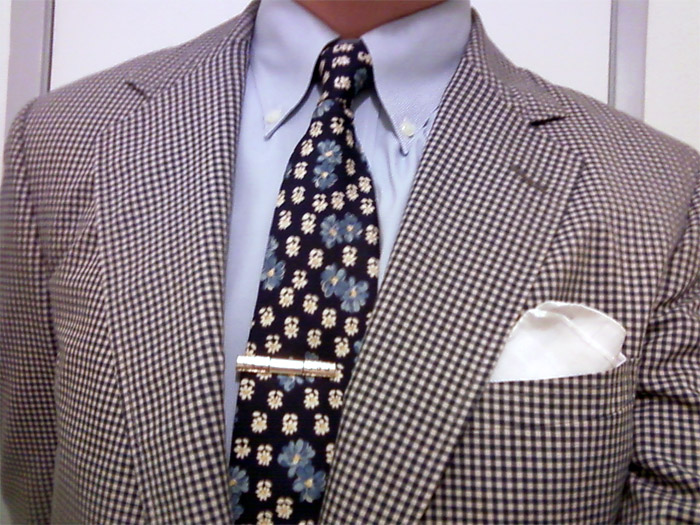 Brooks Brothers flower tie