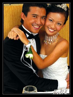 Gambar kahwin Aaron Aziz dan Diyana seksi