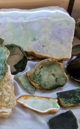 Rough jadeite rock