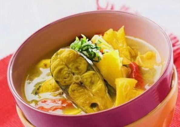 Makanan Khas Indonesia Gulai ikan patin