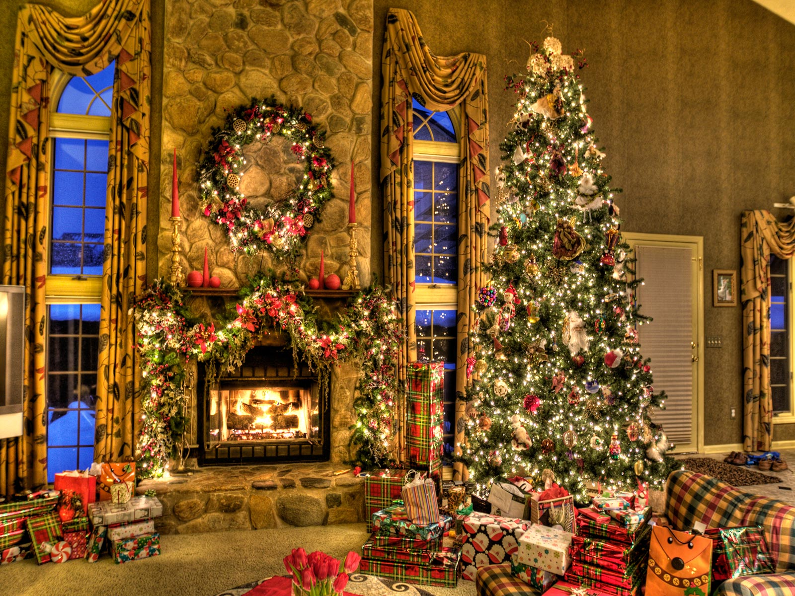 http://3.bp.blogspot.com/--x6Mvw47XmM/Ts-EPSo0YrI/AAAAAAAASZE/pnqRxY74YrA/s1600/Christmas-Room-Wallpaper.jpg