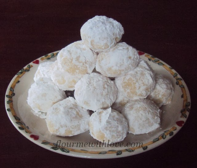 Flour Me With Love: Mexican Wedding Cookies