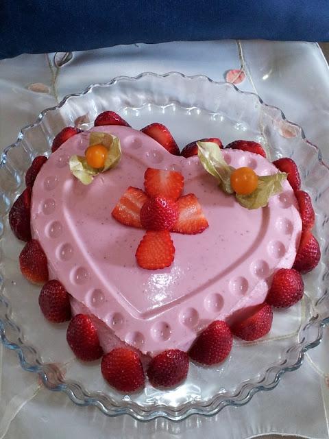 corazón de semifrío de fresas