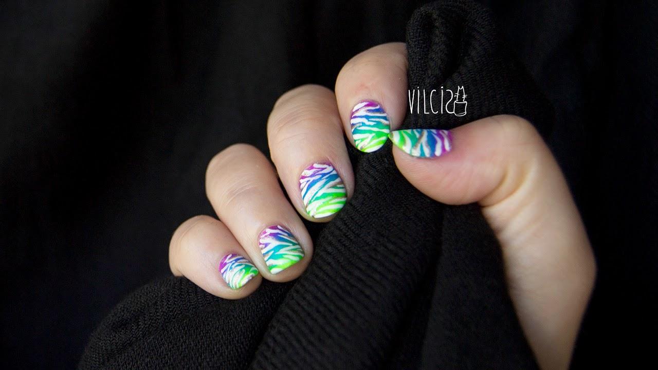 Diseño de uñas neón estampado animal cebra mate_vilcis designs