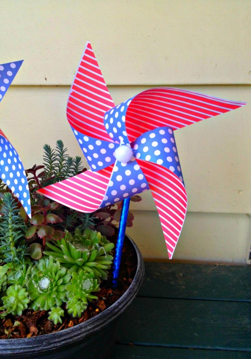 Easy Patriotic Pinwheel made with pencils & Aleene's Instant Tacky - a Dollar Store Craft!