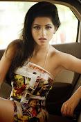 Iswarya menon glam pics-thumbnail-2