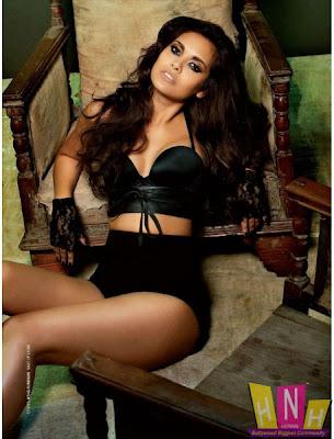 Esha Gupta Still Hot & Sexy
