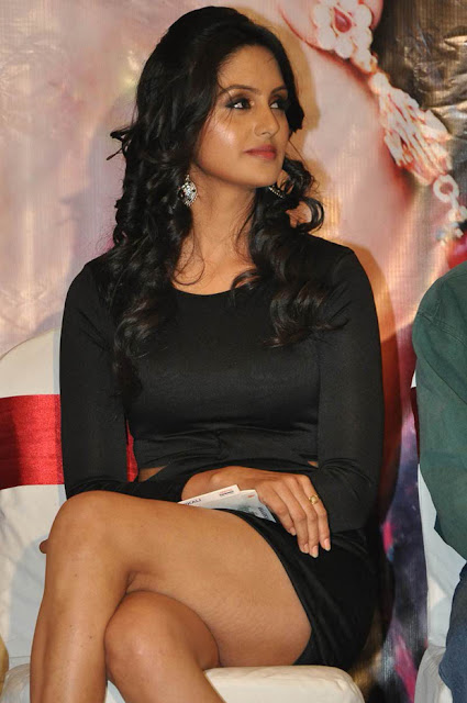 Gowri Sharma Hot Thigh Photos