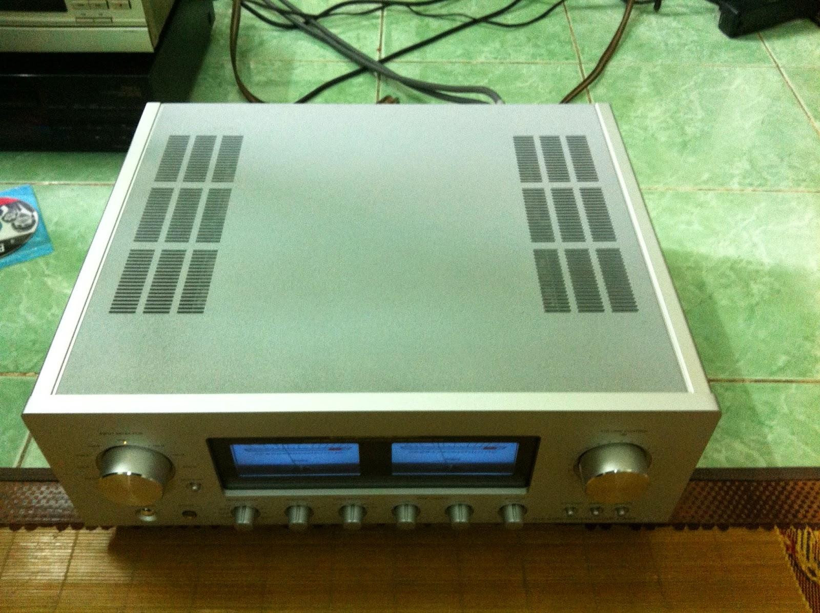 Mặt trên amply Luxman 505U
