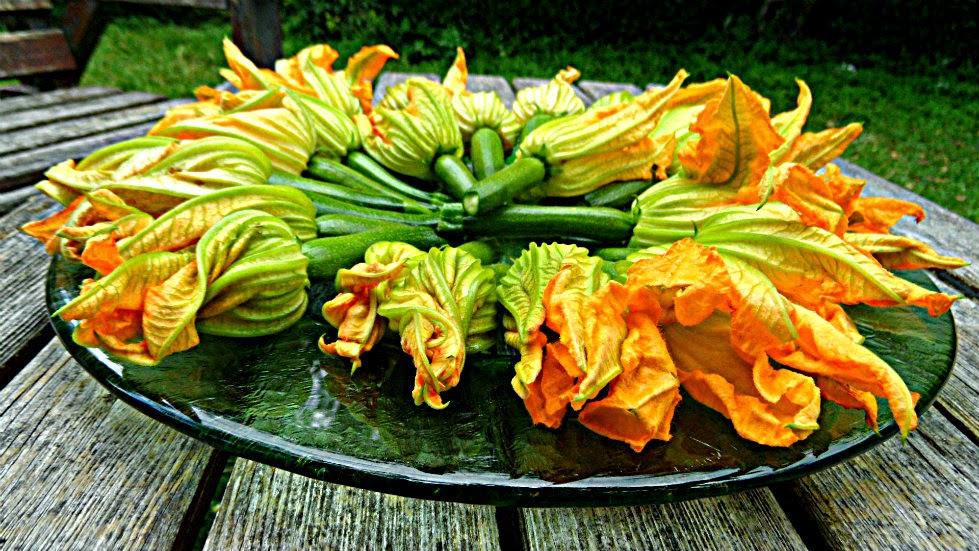 Chez Maximka: Stuffed zucchini flowers