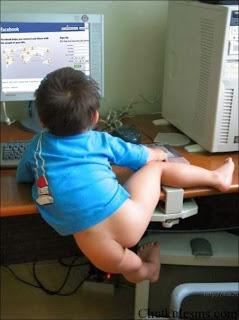 smešna slika: Beba na Facebook