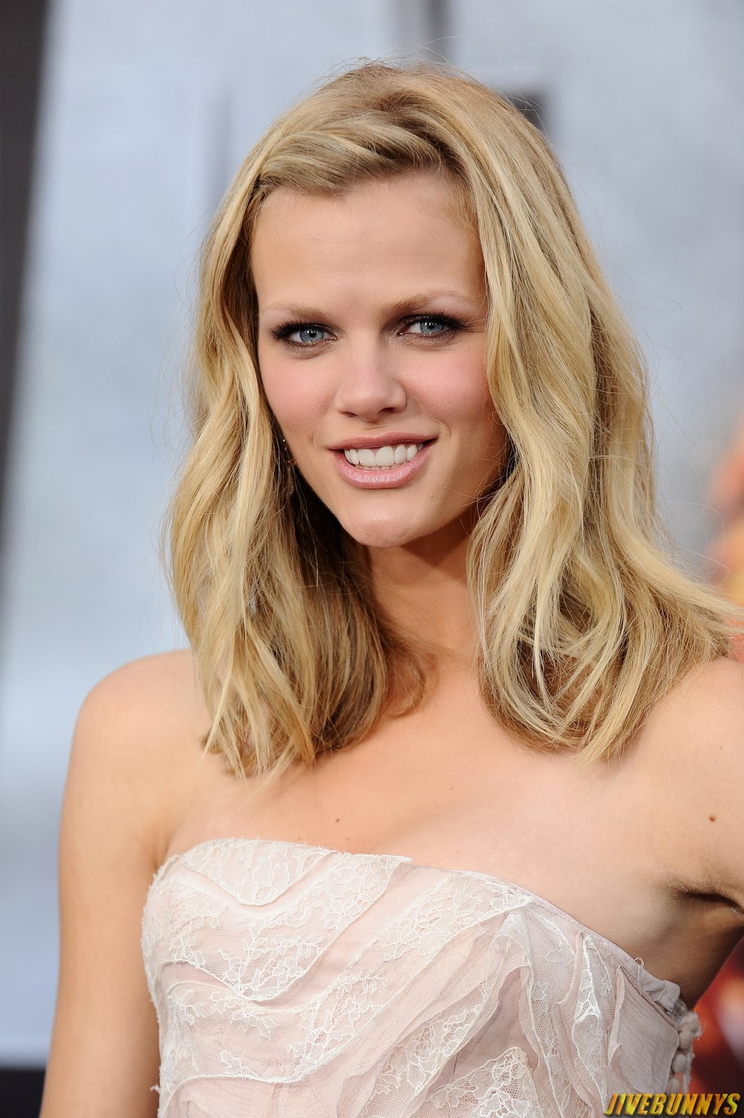 nude photos of brooklyn decker