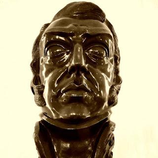 Busto do General José de San Martín,  herói da Independência da Argentina.