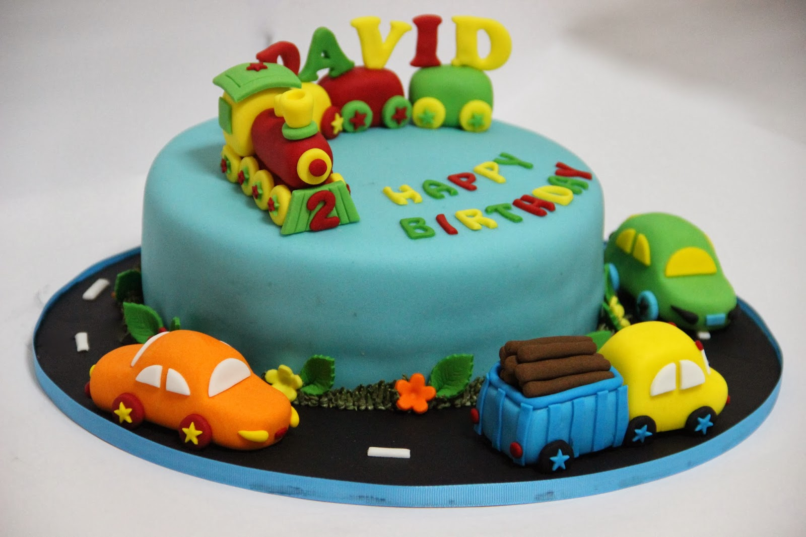 Cake With Fondant Cars : Temptations: Car Theme Cake